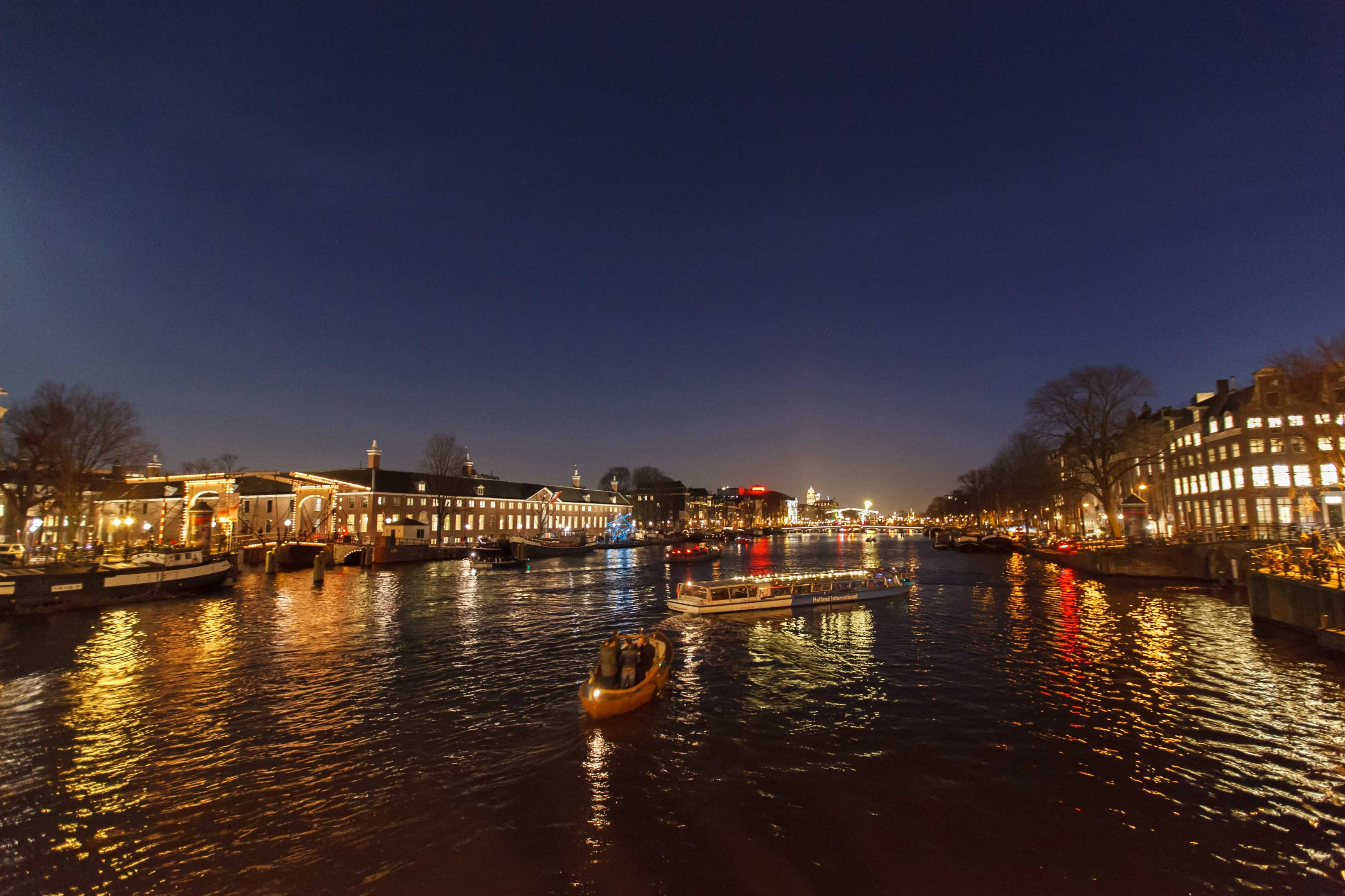"Foto van de Amstel ""by night"" door F.L.Snijders"