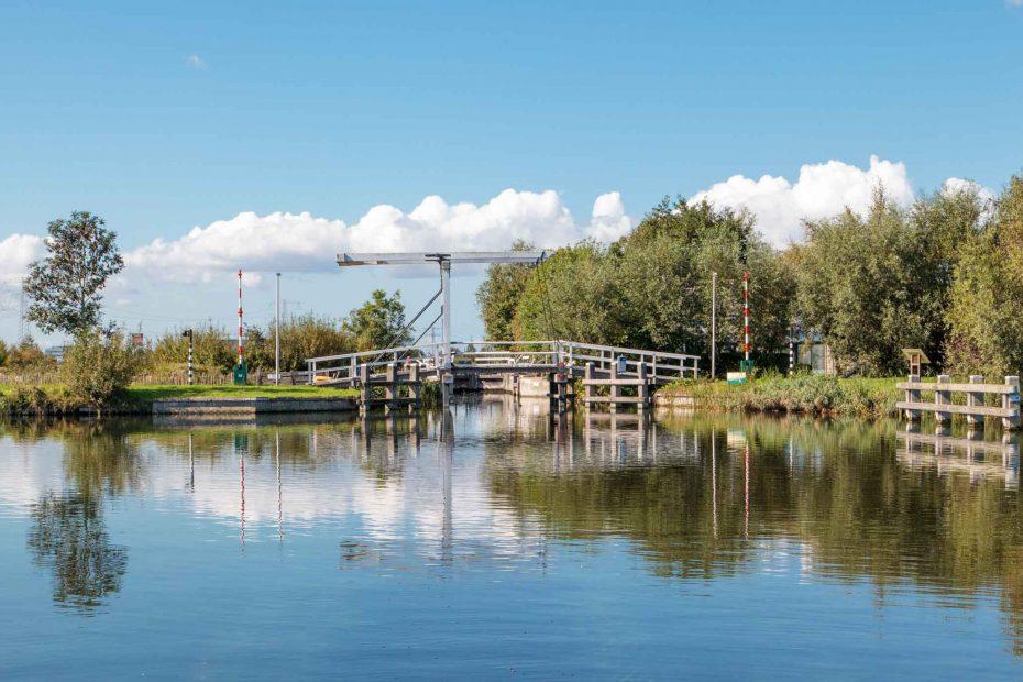 foto Luijendijkbrug en sluis, Snijders